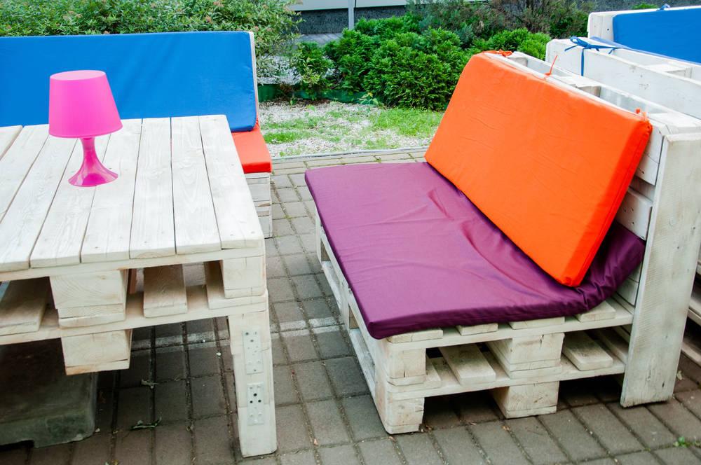 Muebles originales hechos con palés. Lo último en decoración