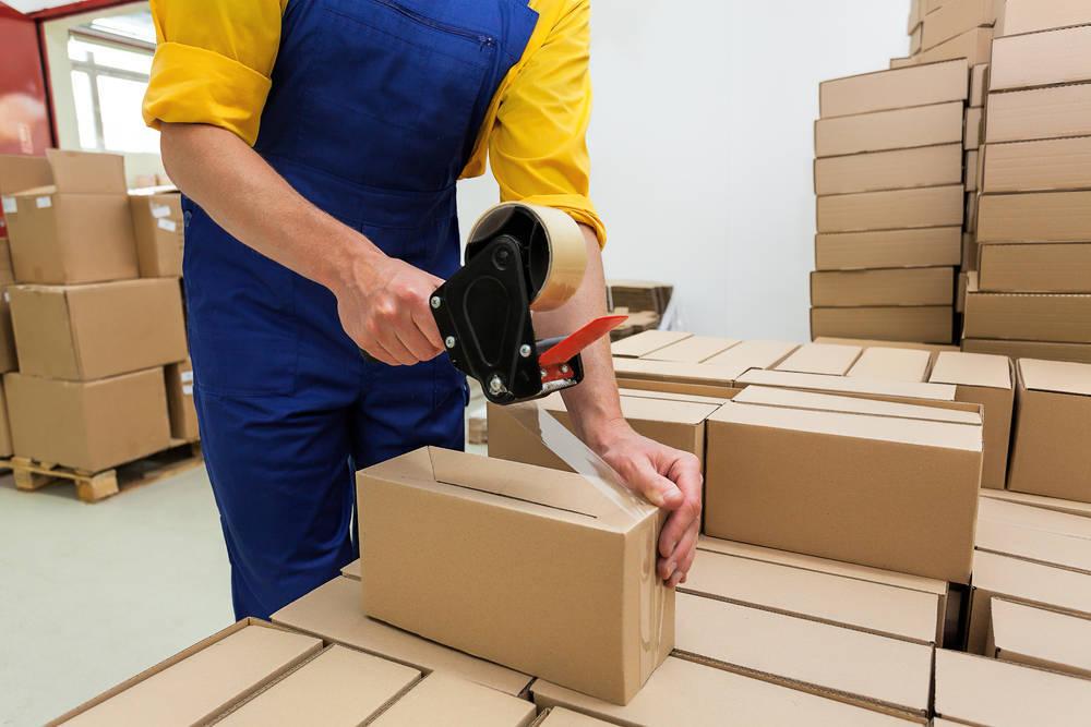 El embalaje, una labor de jefes y empleados